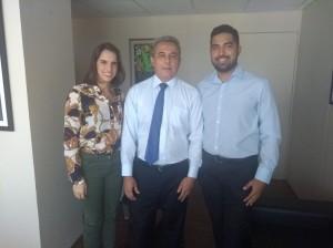 O conselheiro substituto Alberto Pires recebeu os estudantes Mikaela Melo e Davi Tenório